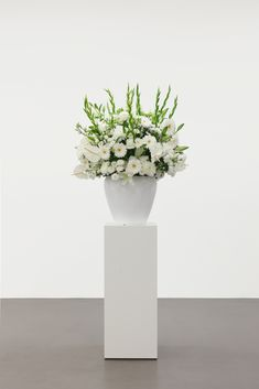Willem de Rooij at MMK Frankfurt am Main Magazine Art, Flora, Vase, Venom, Bouquets, Trust, Pride, Honey, Home Decor