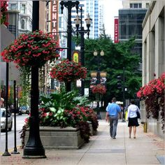 """such a pretty day we got in town; soon this all will be remember as a """"pretty summer"""", but we had enjoyed well enough and logged here as well :) #Downtown #Chicago #CityStreet #Colors #Pretty #Evening #September I wanna hear Frank Sinatra singing My Way; And now, the end is here"""