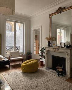Office Inspiration, Interior Design Inspiration, Home Interior Design, Interior Architecture, Bauhaus Interior, French Apartment, Dream Apartment, Apartment Design, Dream Home Design