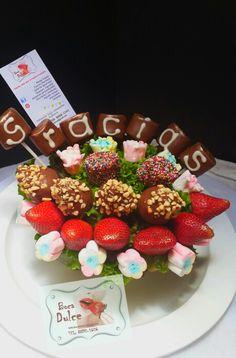 Arreglo No. Tenemos a disponible globos, bombones, galletas y toda clase de frutas para sus detalles comestibles.  Disponemos de Servicio de entregas Contáctenos Tel:88905606