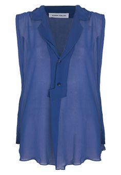 camisa sem manga de seda azul - http://www.cashola.com.br/blog/moda/color-block-e-looks-monocromaticos-335