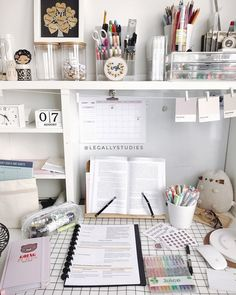 gorgeous cozy dorm room ideas you'll want to copy 34 ~ mantulgan.me gorgeous cozy dorm room ideas you. Study Room Decor, Study Rooms, Bedroom Decor, Decor Room, Study Space, Desk Space, Cozy Dorm Room, Uni Room, Dorm Room Desk