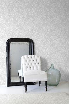Die-cut Flowers #wallpaper #coveredwallpaper #modernwallpaper #paperyourwalls #design #homedecor #home #decor #modern