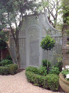 Trellis gate