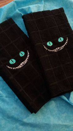 Hey, I found this really awesome Etsy listing at https://www.etsy.com/listing/191178997/cheshire-cat-towel-for-kitchen-or-bath