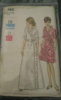 Original Uncut Vintage Vogue 7431 Sewing Pattern Wrap Robe w Ruffle Edge Size 16