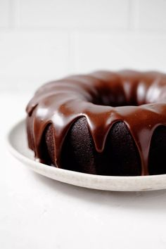 This vegan chocolate bundt cake is the solution to any and all of your chocolate cravings! A chocolate ganache glaze makes decorating easy and beautiful. It's perfect for Valentine's Day or any special occasion. #vegan Mothers Day Chocolates, Mothers Day Desserts, Make Ahead Desserts, Healthy Desserts, Mothers Day Cake, Chocolate Ganache Glaze, Chocolate Bundt Cake, Vegan Chocolate, Chocolate Recipes