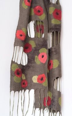 1 autumn poppies nuno felt scarf design