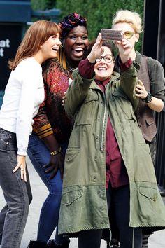Ghostbusters (2016) main cast taking a selfie, in costume