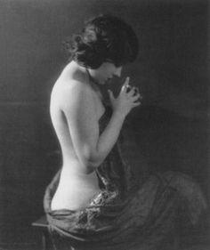 Gloria Swanson in 1919