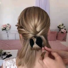 Watch this amazing hairstyle tutorial