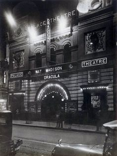 "Palace Theatre showing ""Dracula"", Pitt Street, Sydney, between 1927-1931"