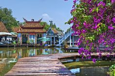Walkway in the Floating Market of Muang Boran (The Ancient City), Samut Prakan, Thailand.