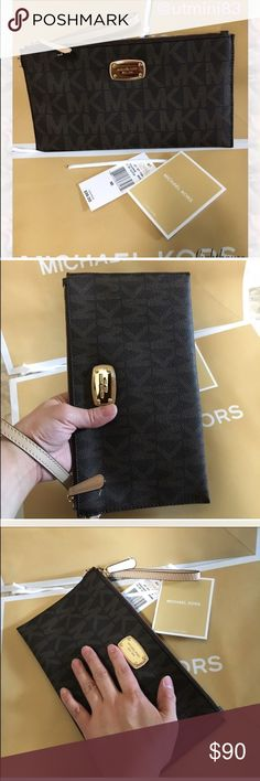 🍥MK clutch brown signature Authenic brand new brown color. Large size Michael Kors Bags Clutches & Wristlets