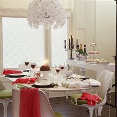 Bright and Contemporary Holiday Dining Room