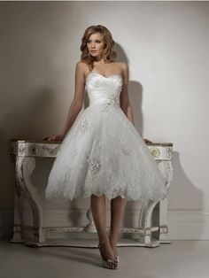 A-Line Ball Gown Strapless Sweetheart Organza Wedding Dress