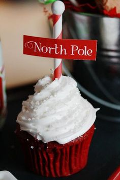 SO cute!!! North Pole cupcakes! Adorable for Holiday parties