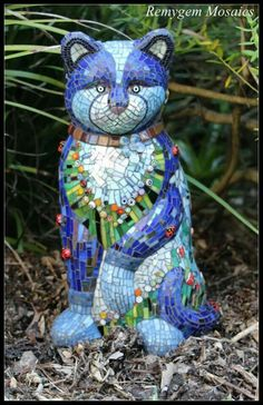 Remygem garden cat...Beautiful front view of the kitty I pinned earlier. Thank you so much for finding and sharing this with me. It's so beautiful!