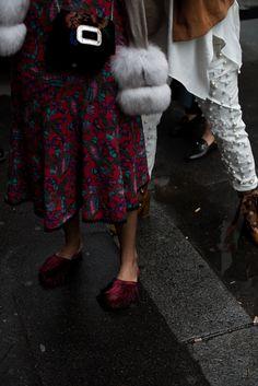 theadorabletwo_paris_fashion_week_16_nina_suess_streetstyle_nina_schwichtenberg_escada_hose_weiss_perlen