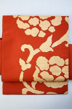 Rust Vermilion Nagoya Obi, Gold Arabesque Flower Pattern / 錆朱地 金の花唐草柄 六通名古屋帯  【リサイクル着物・アンティーク着物・帯の専門店 あい山本屋】