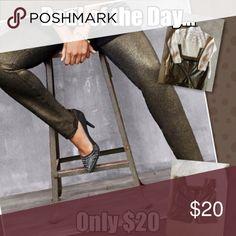 💥💥Lane Bryant Metallic Leggings💥💥 These pants are smoking hot!!! 🔥Super comfortable and flattering. Great buy!!! Lane Bryant Pants