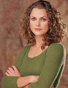 """Keri Russell circa Felicity. I don't think she has had a ringlet in years. I once read an article where she bashed her hair as an """"afro"""", so sad. I get it, I hate my hair too sometimes but I think it's such an ingrained anti curl/anti ethnic thing in Hollywood."""