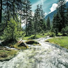 Der Isar-Ursprung ist umringt von dem gewaltigen Bergmassiv des Karwendels. Ein Ort der Entspannung und Ruhe 😊. *** The source of the river Isar is surrounded by the majestic craggy peaks of the Karwendel massif. A place of relaxation and tranquility 😊. *** Heinz Zak ***   #olympiaregionseefeld #tirol #urlaub #österreich #austria #natur #berge #travel #mountains Austria, Relax, River, Mountains, Photo And Video, Places, Wallpaper, Instagram, Environment