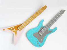 Guitarra Infantil de Papelão                                                                                                                                                                                 Mais