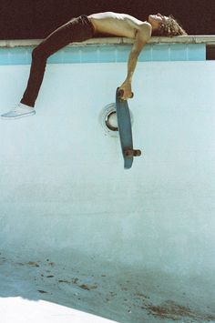 Sooo sexy. I wish Matt still skated. This makes me want to watch Lords of Dogtown.