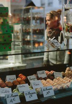 Market macaroons, Paris, Image Via: The Fresh Exchange