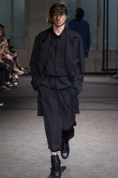 Yohji Yamamoto Spring 2017 Menswear Collection Photos - Vogue
