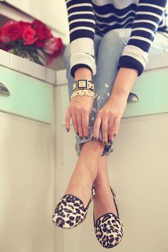 Mixed prints. Love those shoes