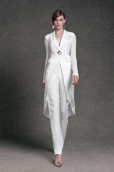 Donna Karan Resort~ White fashion couture woman's fashions pant outfit pants white white fashions on white Suit With Jacket, Jacket Dress, Suit Vest, Dress Jackets, Vest Jacket, Dress Pants, Donna Karan, Elegantes Outfit Damen, Wedding Pantsuit
