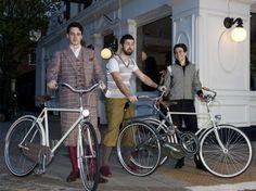 From Dashing Tweeds: Handsome men and reflective tweed bikewear #Ecouterre