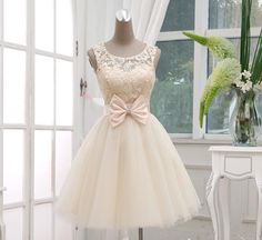 Champagne Lace Tulle Off The Shoulder Short Skirt PromDresses Ball Gown,Bow Abov… - Freizeitkleidung 2019 Prom Gowns, Homecoming Dresses, Bridesmaid Dresses, Wedding Dresses, Graduation Dresses, Dress Prom, Evening Dresses, Reception Dresses, Gown Wedding