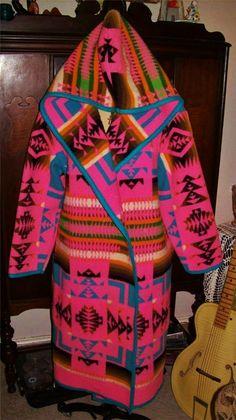 MOST AMAZING Vintage PENDLETON Blanket Coat Native American~Navajo Native American Clothing, Native American Fashion, Native Fashion, Aztec Blanket, Blanket Coat, Classic Outfits, Classic Clothes, Vintage Blanket, Native Design