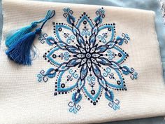 Embroidery Bags, Embroidery Flowers Pattern, Creative Embroidery, Hand Embroidery Designs, Crochet Motif Patterns, Seed Bead Patterns, Beading Patterns, Cross Stitching, Cross Stitch Embroidery