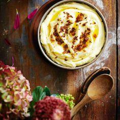 Ruskistettu voi tekee perunamuusista mielettömän hyvää! Näin syntyy maailman paras perunamuusi.