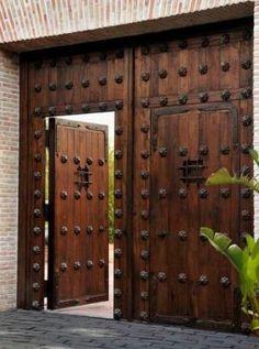 Image result for porton de hierro y madera