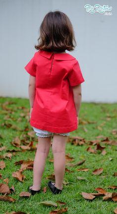 Vestido vermelho com gola, shortinho e laço super fofo. Confeccionado em tecido 100% algodão! Laço fofinho com aplicação de meia pérola.    Pode ser feito em outras cores!    Disponível nos tamanhos  12 meses  18 meses  2 a 8 anos