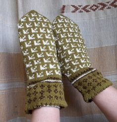 hand knitted wool mttens patterned haki by peonijahandmadeshop