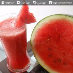 Jus semangka untuk rematik  Bahan-bahan : resep jus semangka untuk rematik 100 gram semangka 75 gram daging buah sirsak  gelas air putih  Cara membuat jus : 1. Semangka dipotong kemudian buang bijinya masukkan ke dalam blender. 2. Tambahkan sirsak dan air putih proses hingga halus. 3. Sajikan jus segera. http://ift.tt/1Mzw5EN