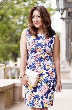 How to style a simple floral sheath for spring with @ladydianaspearls.