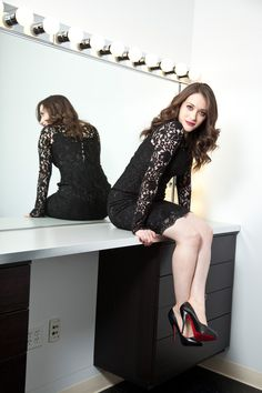Kat Dennings is an actress known for The Virgin, Big Momma's House Charlie Bartlett, The House Bunny, Defendor, Thor and 2 Broke Girls. Kat Dennings, Beautiful Celebrities, Beautiful Actresses, Gorgeous Women, Gorgeous Lady, Two Broke Girl, Cultura Pop, Hot Girls, Sexy Women