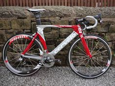 Cervelo P2, Sram Red components, Sram S60\S40 wheels...sigh.....A girl can dream....