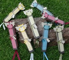 I think these are boxes or bookmarks.would also be cute on top of a clip-style clothespin for a chip-clip or book marker. Owl Crafts, Diy Home Crafts, Paper Crafts, 3d Paper, Clothespin Art, Owl Birthday Parties, Creative Bookmarks, Craft Packaging, Wooden Clothespins