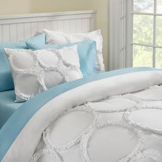 Ruffle Rings Duvet Cover, Full, White .... this is white, but at least it has a little something else going on