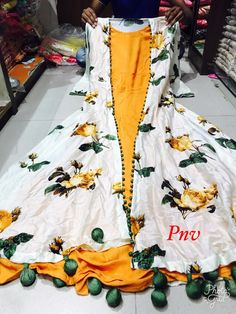Best 12 Floral printed lengha and jacket top – Page 335940453448748752 – SkillOfKing.Com – SkillOfKing. Kurti Neck Designs, Dress Neck Designs, Designs For Dresses, Blouse Designs, Stylish Dresses, Women's Fashion Dresses, Casual Dresses, Nice Dresses, Casual Outfits