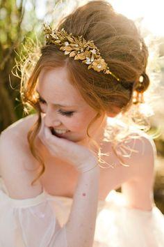 couronne-de-feuilles-dorees-accessoire-mariee-mignonne-handmade