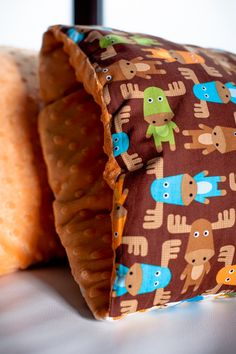 twinnies.pl Modern Decorative Pillows, Cool Things To Buy, Stuff To Buy, Gingerbread Cookies, Kids Room, This Or That Questions, Cool Stuff, Handmade, Food